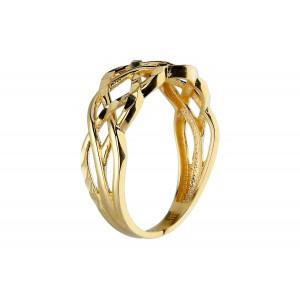 Złoty pierścionek fasetowany